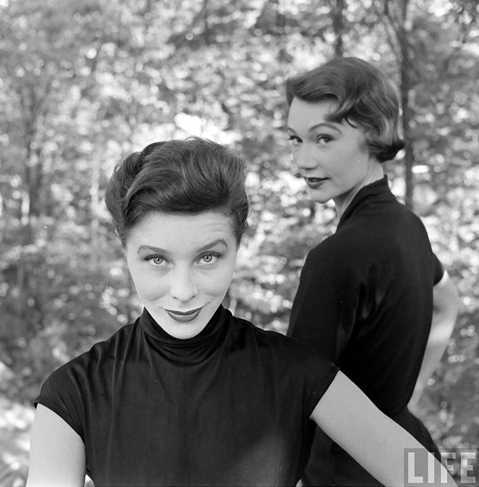 Bettina & Sophie – The Double 1950. LIFE magazine