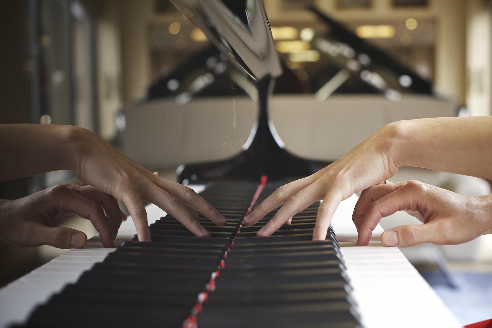 Aisa ljiri, Steinway Artist, playing piano. Photo: Lugermad