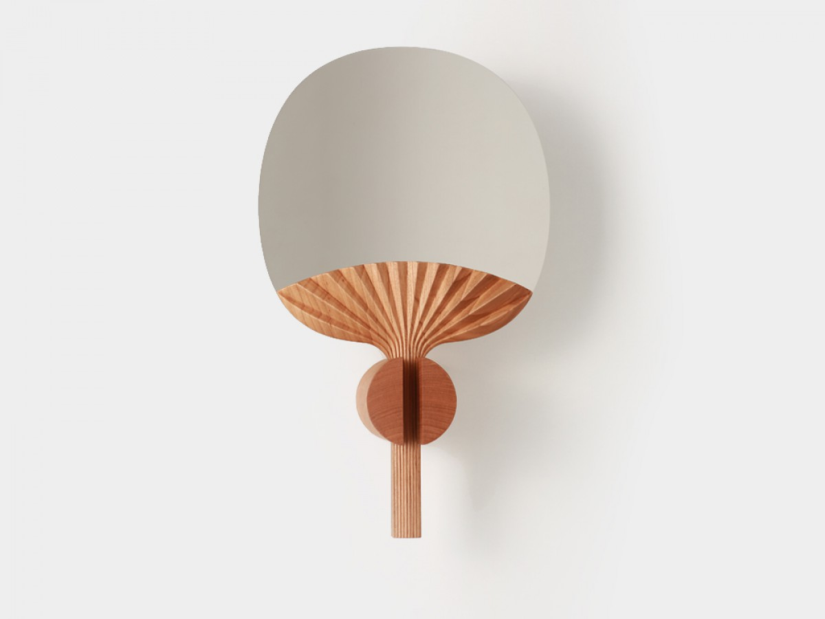 Selfportrait Fan shaped table mirror by Ilaria Innocenti & Giorgio Laboratore