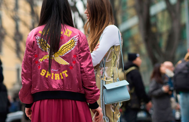 street style-printed jacket-message jackets-chaquetas mensaje-cazadoras mensaje-trends-tendencias-front row blog-12