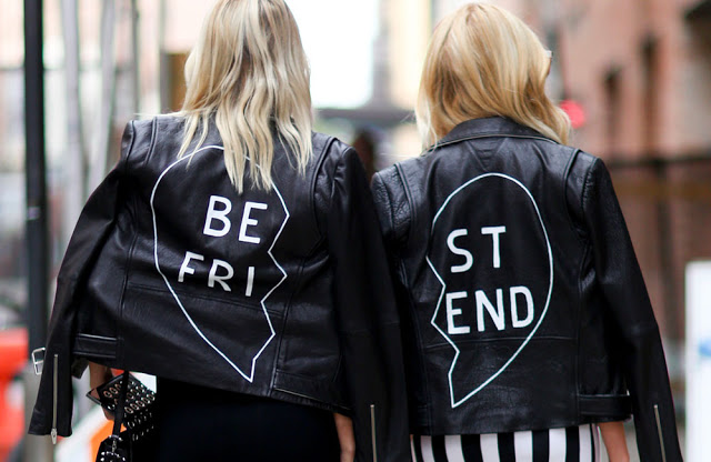 street style-printed jacket-message jackets-chaquetas mensaje-cazadoras mensaje-trends-tendencias-front row blog-16