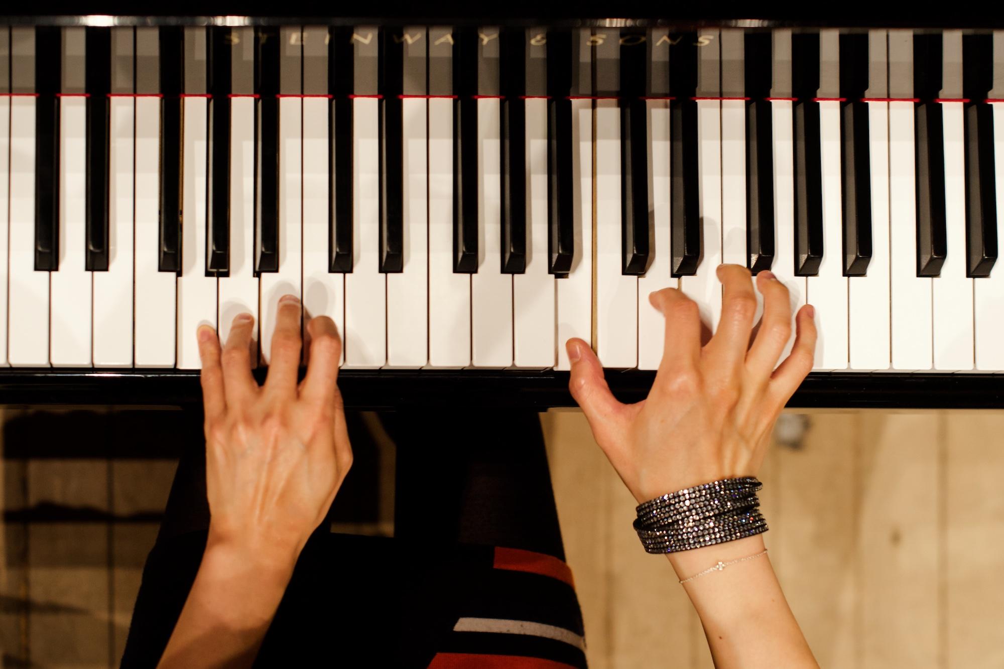 aisa-ijiri-carnegie-hall-steinway-piano-4 stairway and sons