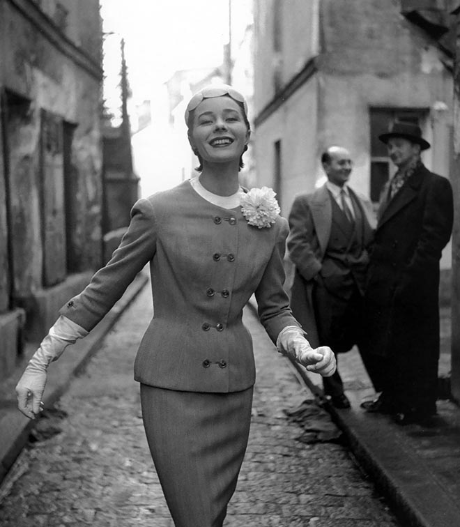 Bettina in a suit by Madeleine de Rauch, 1953. © Georges Dambier