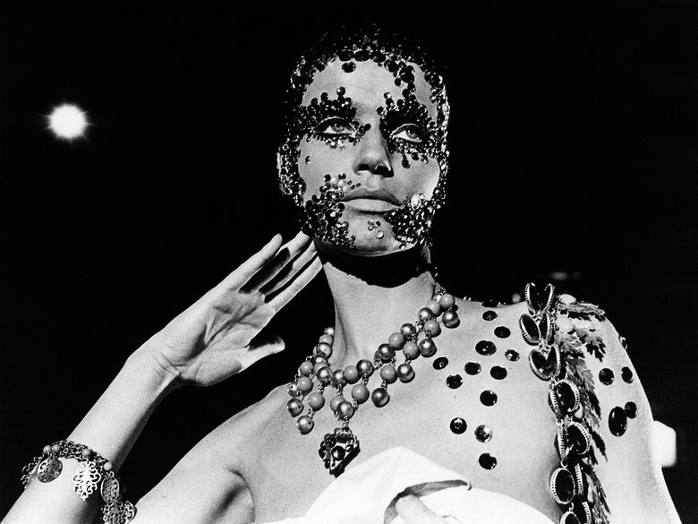 Veruschka in Salome 1972. Photo: Everett CollectionMondadori Portfolio