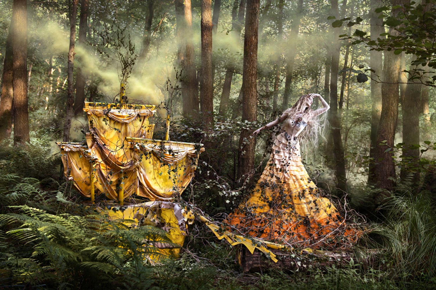 Shell-Wait-For-You-In-The-Shadows-Of-Summer-Kirsty Mitchell