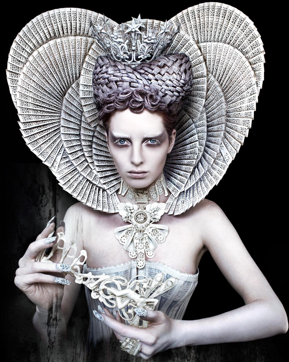 The-White-Queen-Kirsty Mitchell