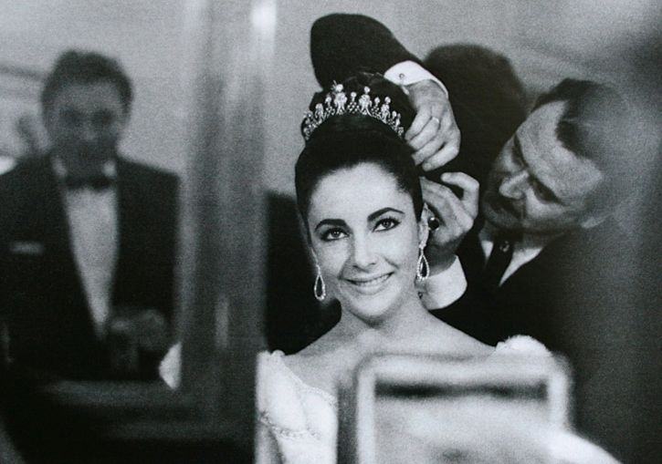 The Prince of Coiffure Alexandre de Paris with Elizabeth Taylor in 1963Elizabeth Taylors Douglas Kirkland