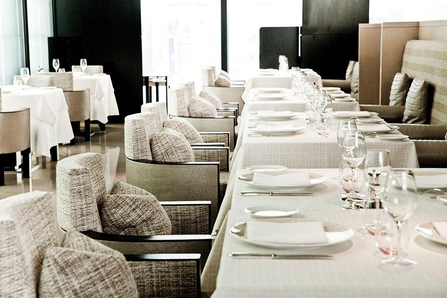 item0.rendition.slideshow.high-fashion-restaurants-01-beige-alain-ducasse-tokyo