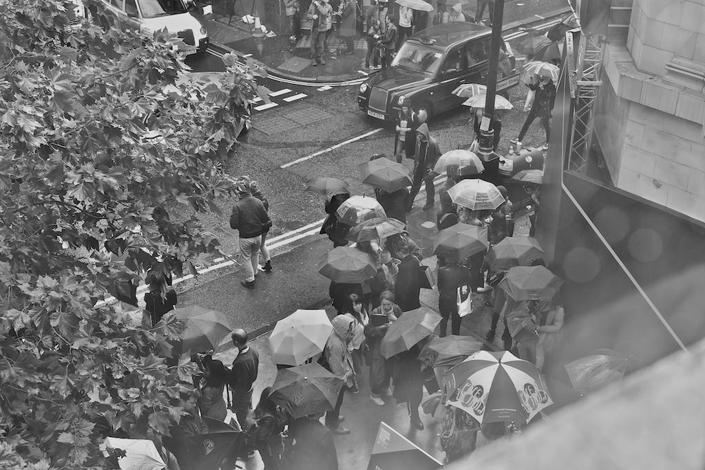 Rainy day in Fashion Week Day 1