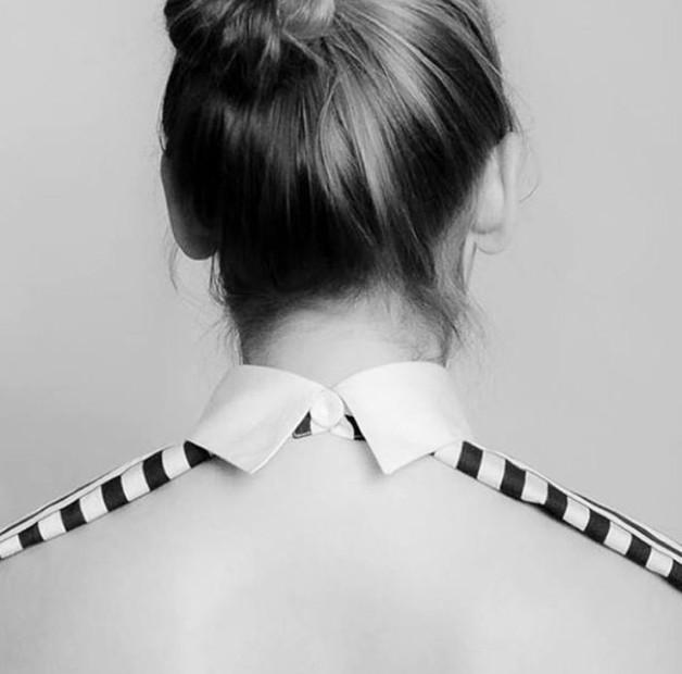 Stripe-edged backless shirt stripe trend